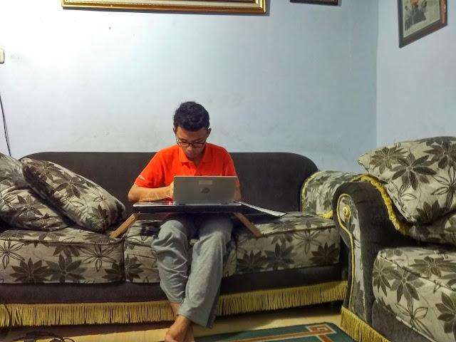 adek-jadi-imam-tarawih