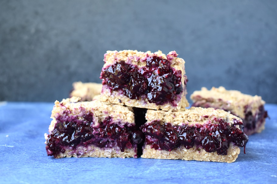 stack of blueberry pie oatmeal bars