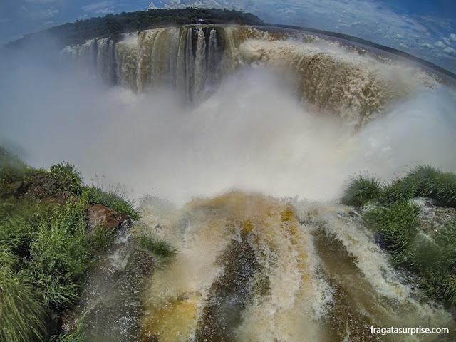 A Garganta do Diabo do lado argentino das Cataratas do Iguaçu