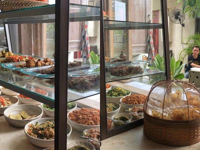 Makanan di teh manis Bali. Instagram.com/@tehmanisbali