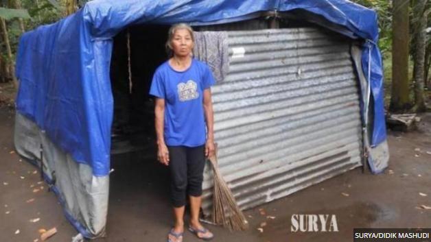 Dari Pada Di Madu, Ibu Ini Lebih Memilih Tinggal Di Gubuk Tenda, Seperti Ini Kondisinya