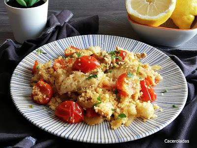 Cous cous de pollo al curry con verduras salteadas