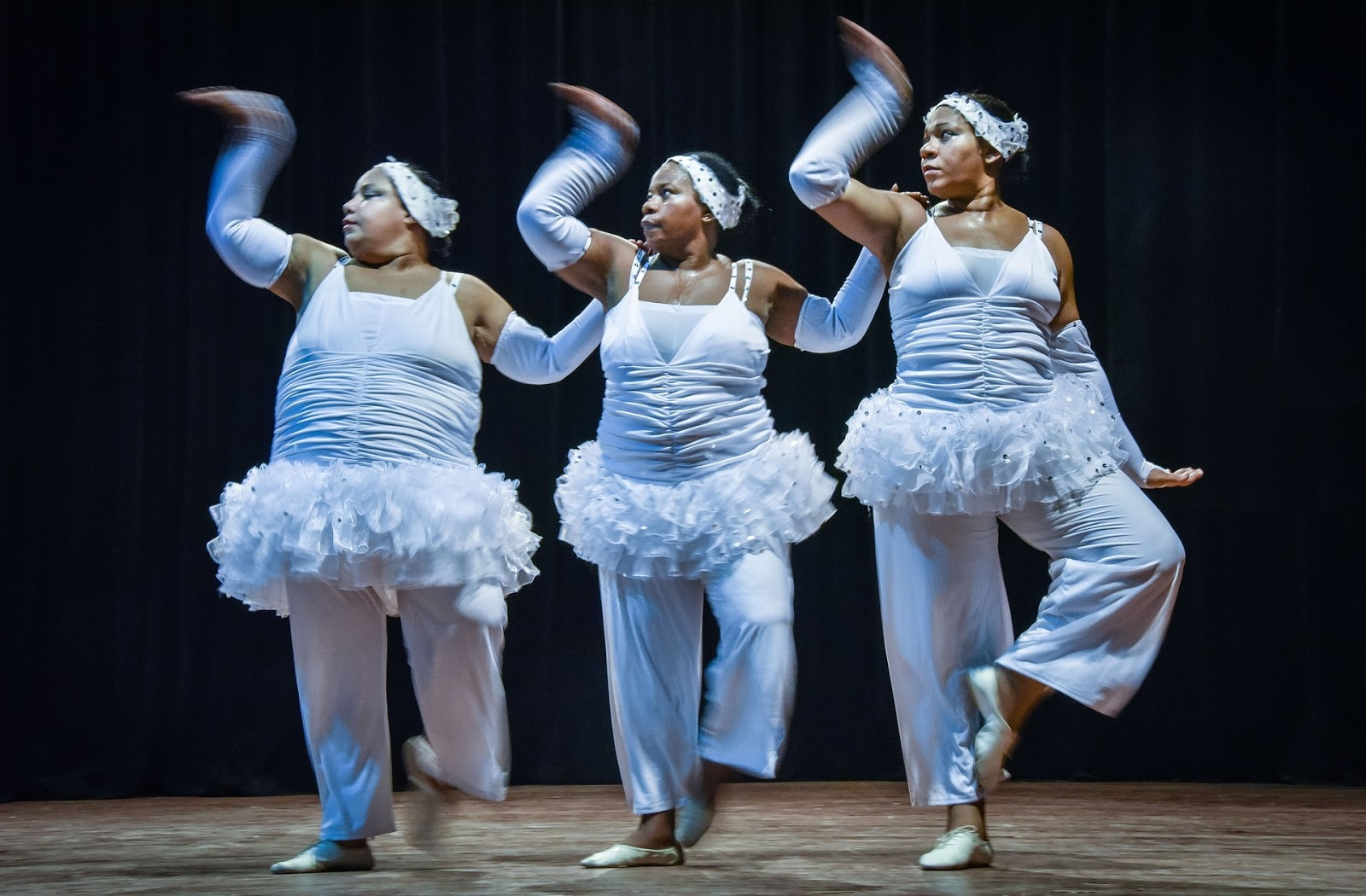 Танцующие толстушки фото, туда и сюда накачали спермой