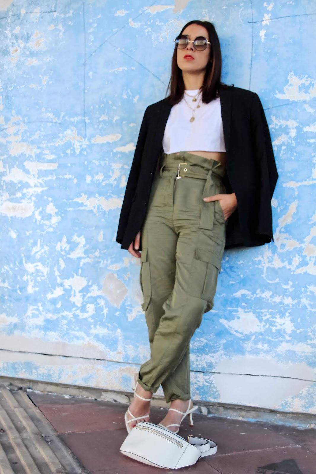 idée de look pantalon kaki blazer oversize été 2019