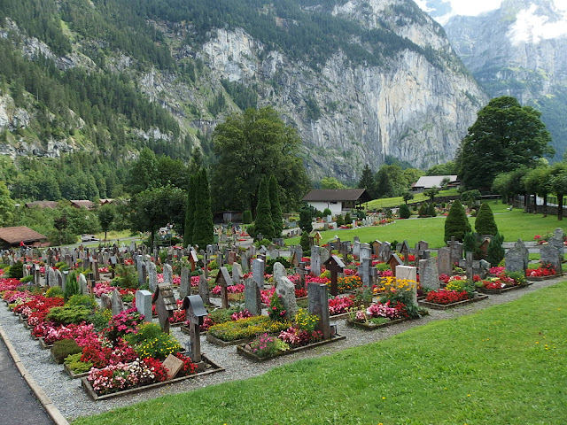 Lauterbrunnen's cemetery
