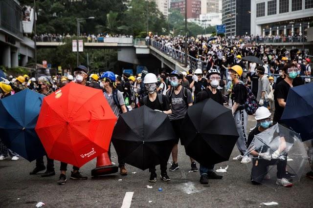 Kína nem fogja hagyni, hogy bárki megingassa Hongkong stabil fejlődését