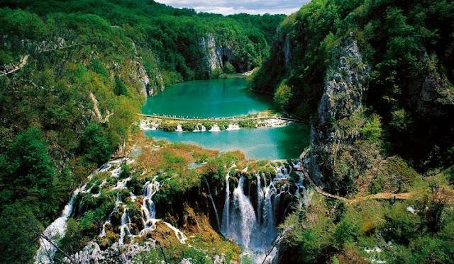 بحيرات بليتفيتش في كرواتيا