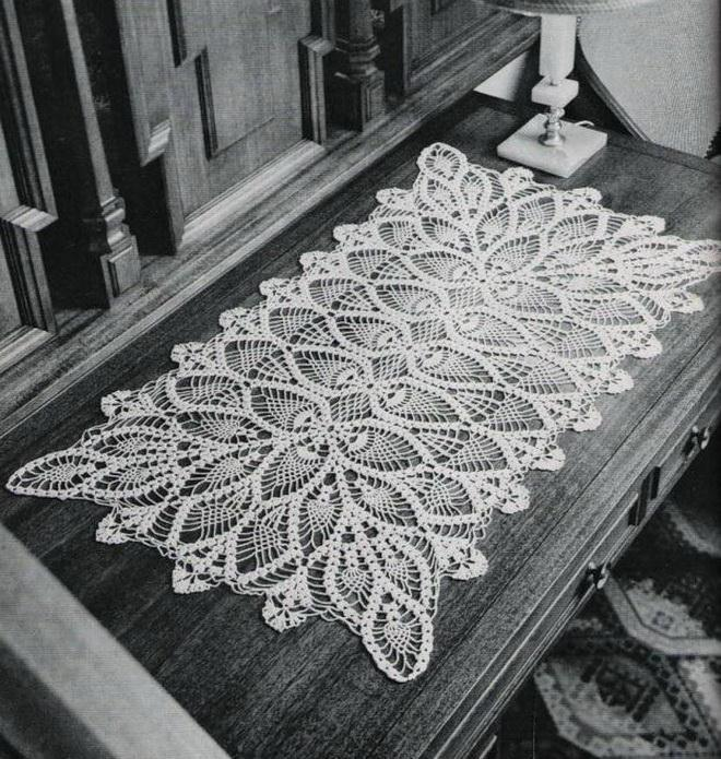 Crochet doily - large doily - pineapple doily lace doily - vintage crochet patterns