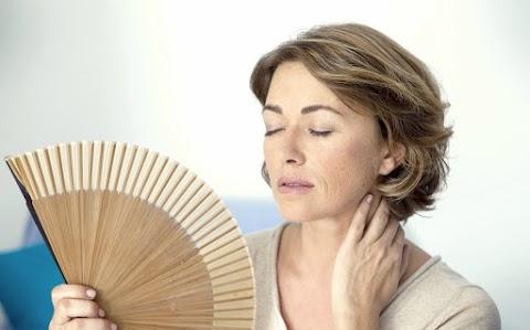 Akár 20 évvel is kitolhatja a menopauza kezdetét egy úttörő brit beavatkozás
