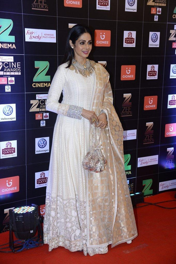 Sridevi Kapoor Pics At Zee Cine Awards In White Dress