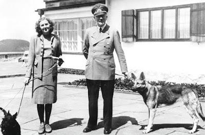 Foto Asli Adolf Hitler dan istrinya Eva Braun