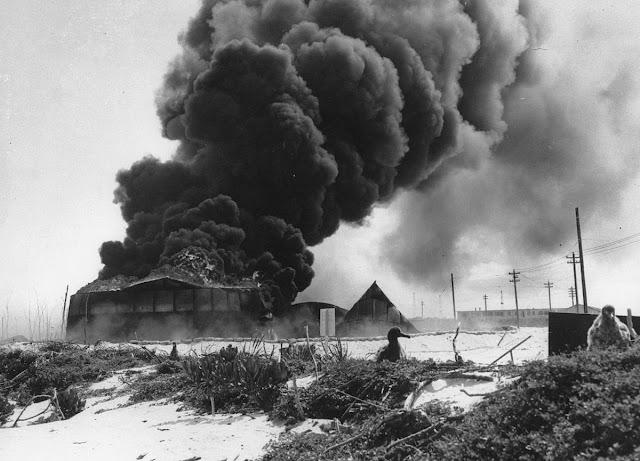 Midway Island fires, 4 June 1942 worldwartwo.filminspector.com