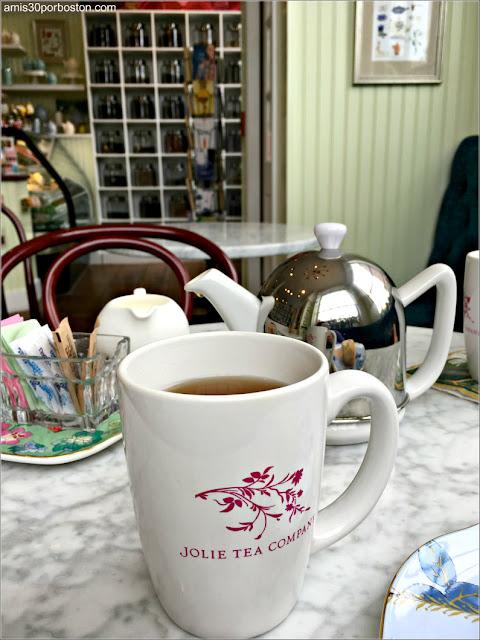 Ruta Gastronómica por Salem: Jolie Tea Company