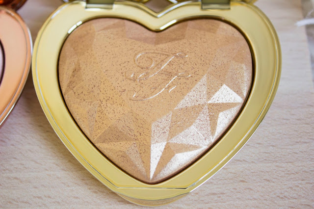 Love Light Highlighter de Too Faced