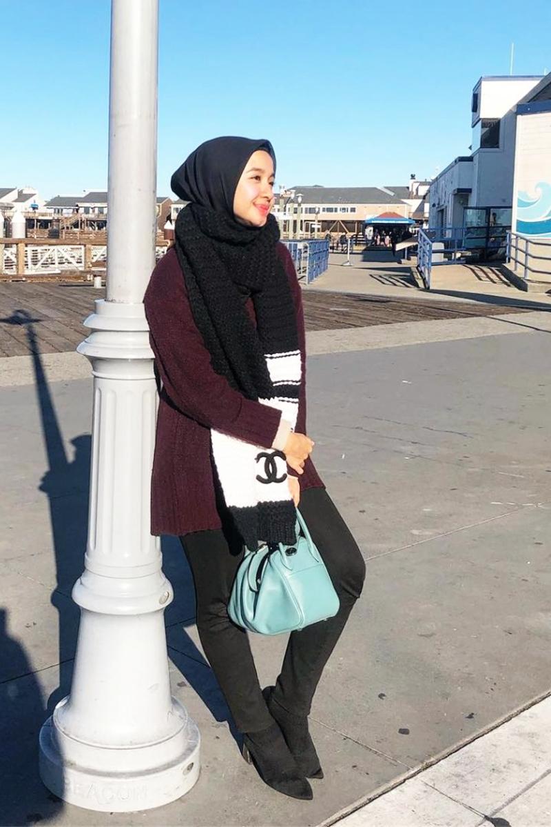 Artis FTV manis Laudya Cynthia Bella pakai hijab
