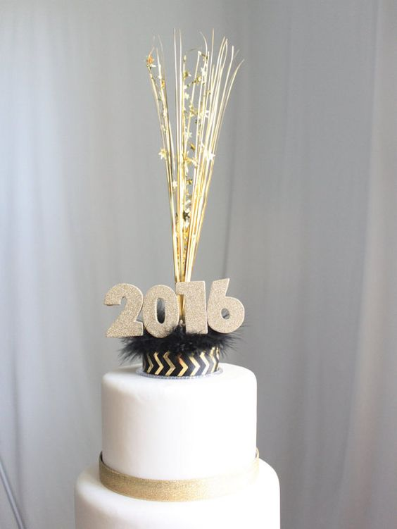 Cake New Years Eve 2018 : New Year s Day Cakes Yummy & Delicious Cakes of Happy ...