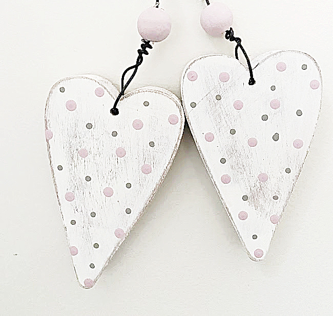 rustic polka dotted hearts with wooden bead