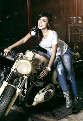 Profil foto Rey Utami