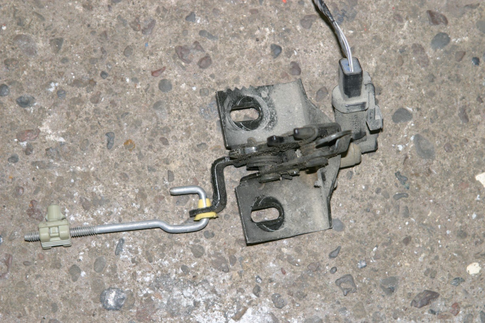 Diagram Of A Back Door Latch For A 2000 Ford Explorer Autos Post