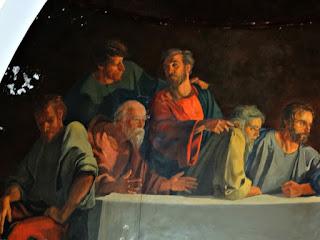Apóstolos à Direita de Jesus na Santa Ceia da Capilla Hotel de Villavicencio