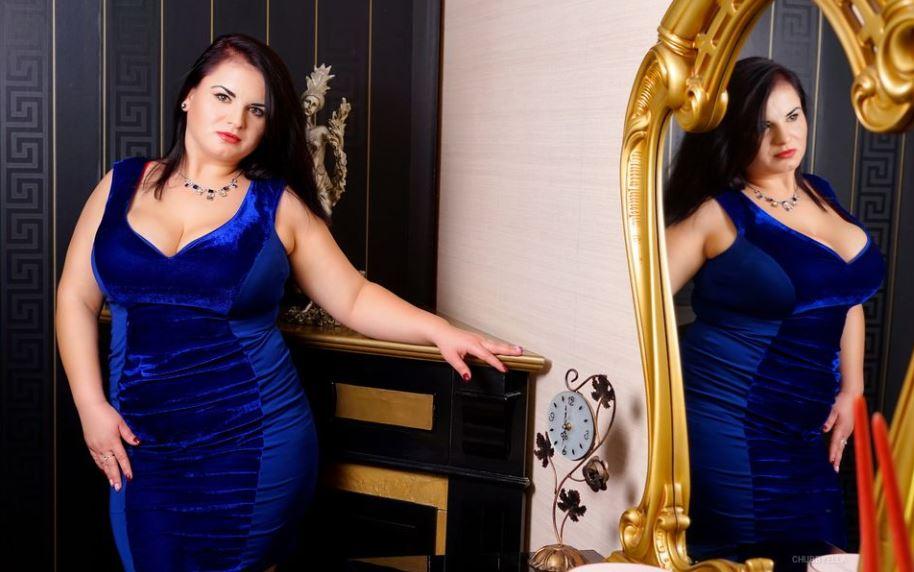 ChubbyElla Model GlamourCams