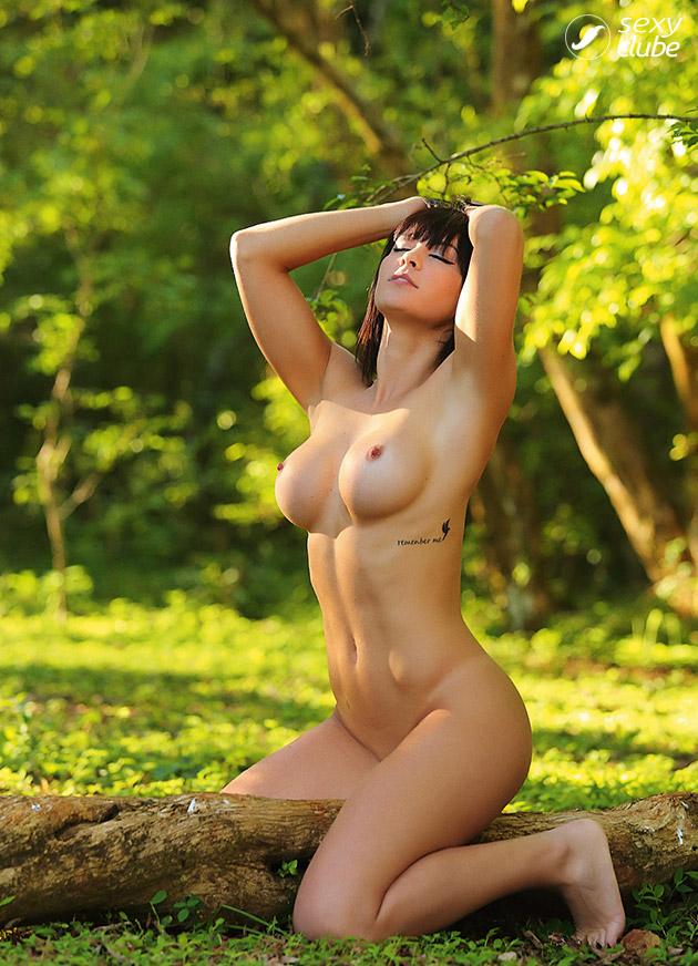 Fotos de Lara MB nua pelada na Revista Sexy