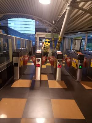 Cara Membeli Tiket MRT, LRT, Laluan Monorel KL Melalui Vending Machine Tiket di Malaysia