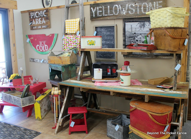 picnic, summer, outdoor space, picnic display, picnic basket, pallet wood, vintage , watermelon sign, http://bec4-beyondthepicketfence.blogspot.com/2016/06/picnic-time.html