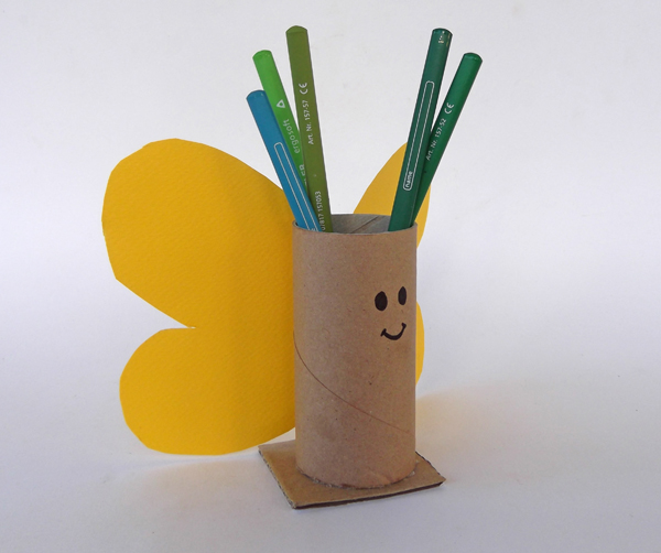 χειροτεχνίες, κατασκευές για παιδιά, χειροτεχνίες με χαρτόνι, κατασκευές με χαρτόνι, μολυβοθήκη χειροτεχνία, ρολά χαρτί υγείας, πεταλούδα,