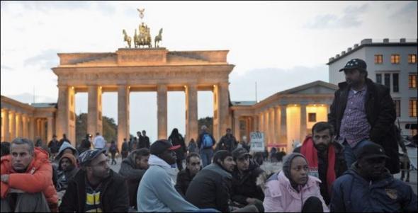 Έρευνα: Περίπου 300.000 - 400.000 πρόσφυγες θα φθάσουν στη Γερμανία το τρέχον έτος
