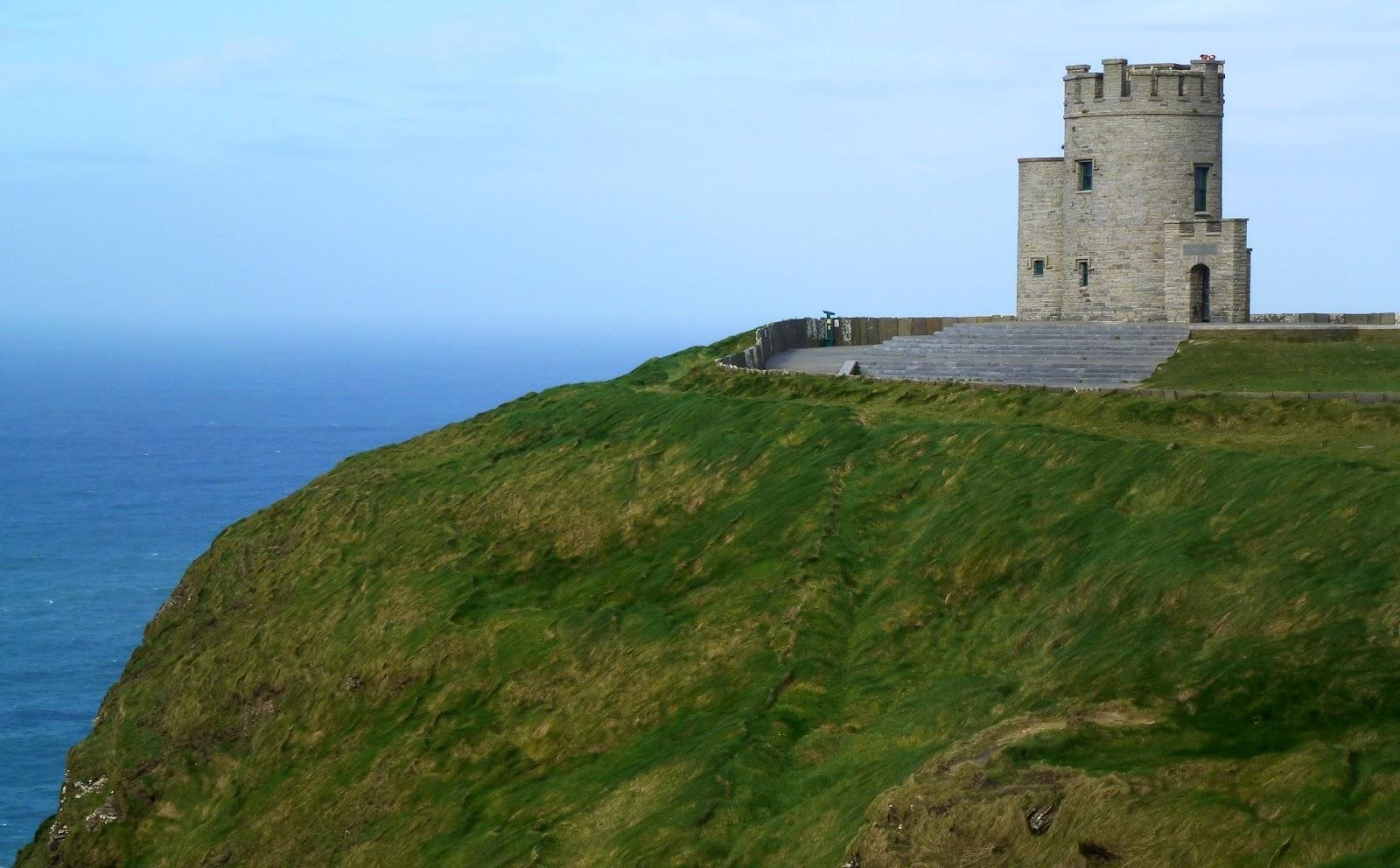 Башня О'Брайана на Скалах Мохера в Ирландии