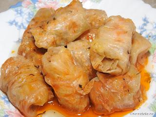 Sarmale in foi de varza reteta mancare romaneasca traditionala de Craciun si Pasti,