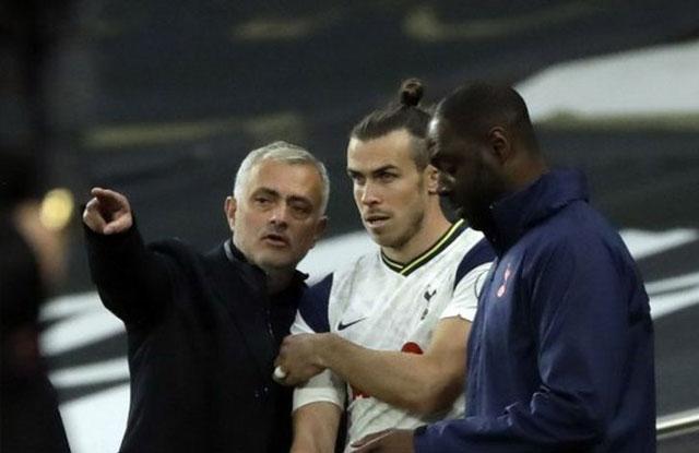 Jose Mourinho bersama Gareth Bale