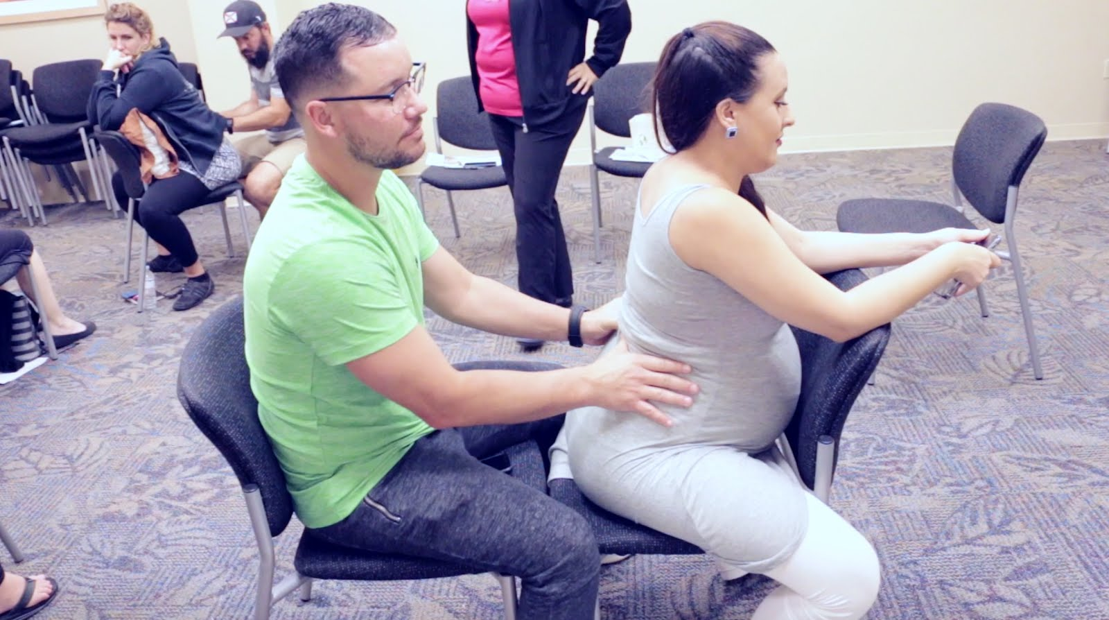 Prenatal-Clases-Comfort-Measures-for-Labor-and-Birth-The-Gift-of-Motherhood-Florida-Hospital-Vivi-Brizuela