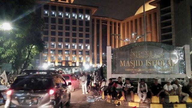 Peserta Reuni 212 Juga Padati Masjid Istiqlal