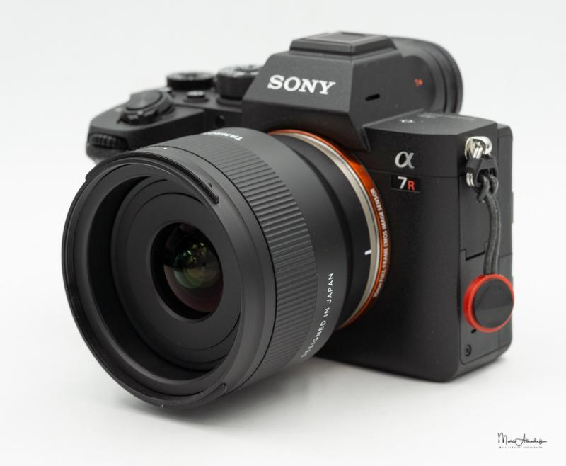 Tamron 20mm f/2.8 Di III OSD M1:2 с камерой Sony