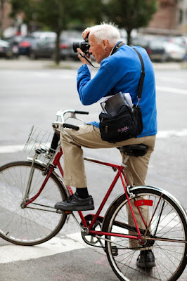 Bill Cunningham, New York Times, fotógrafo moda, New York, streetstyle, Suits and Shirts, fashion, fashion films, style,