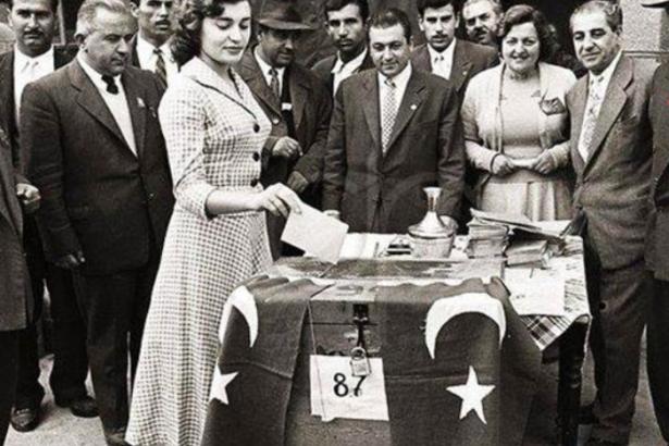 Türkiye'de Kadınlara Seçme Hakkı