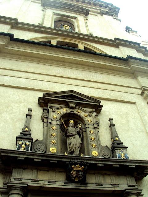 a bella e o mundo - praga - igreja nossa senhora da vitoria