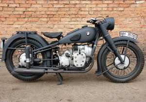 BMW R71 near a brick wall