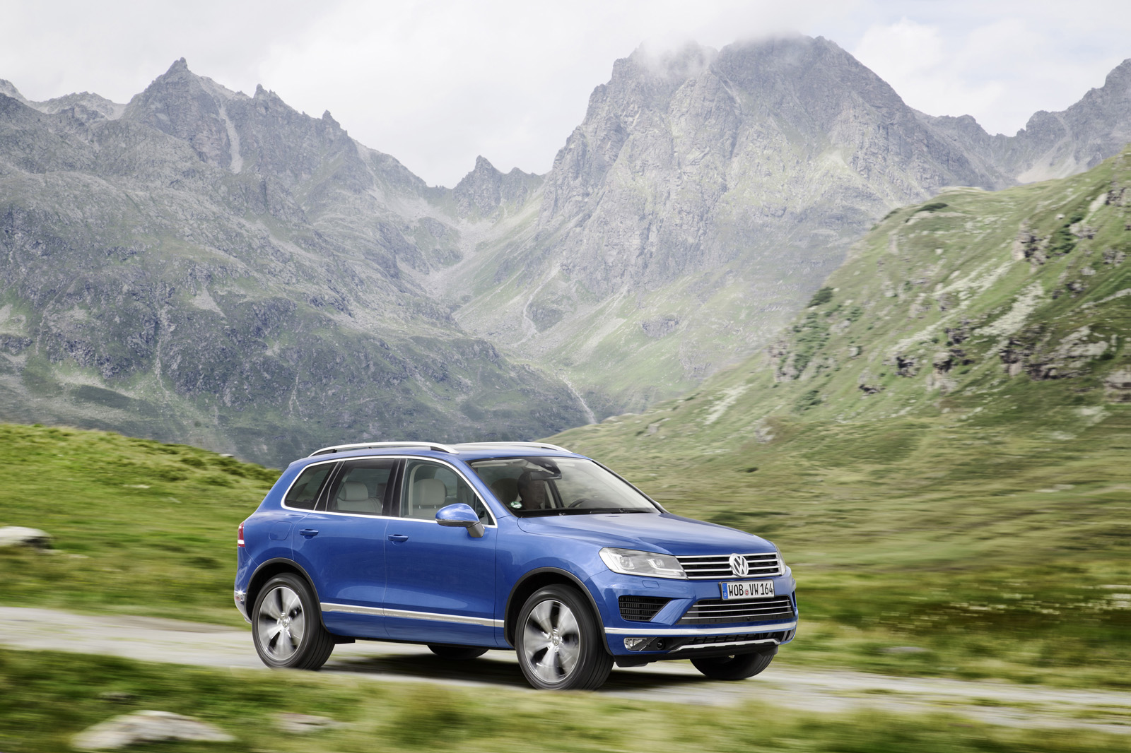 vw recalls over 57 000 touareg diesels from around the. Black Bedroom Furniture Sets. Home Design Ideas