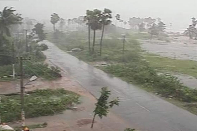 Cyclone Kyant Storm Live Updates News, Images, Videos