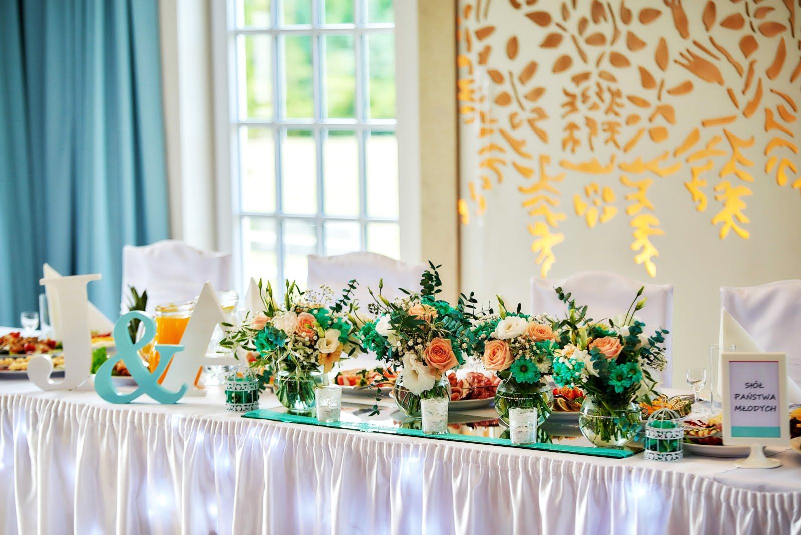 Seria Ślubna | romantyczna, delikatna dekoracja sali | kolor przewodni: miętowy