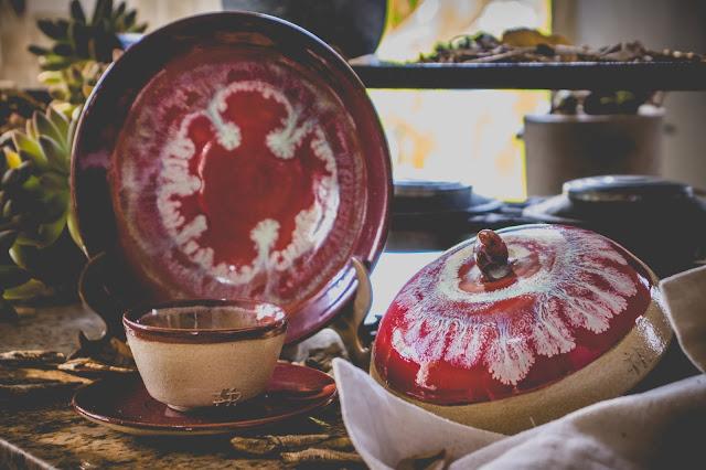 Conjunto de cerâmica com tampa