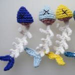 http://www.ravelry.com/patterns/library/fish-scraps