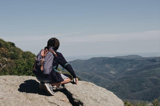 memilih jaket untuk mendaki gunung