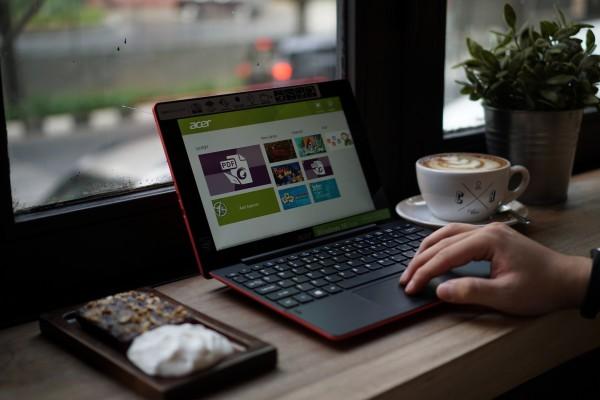 Acer Switch 10E Harga dan Spesifikasi