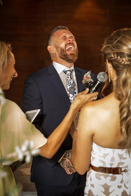 DREAMLIFE PHOTOGRAPHY WEDDINGS SYDNEY BRIDE SIGNS TO DEAF HUSBAND