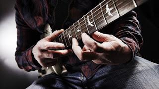 Belajar Gitar Tingkat Menengah