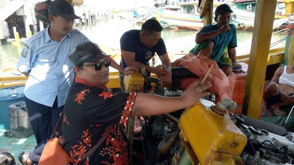 Kegiatan Cek Fisik Kapal Perikanan di Dermaga Bulu